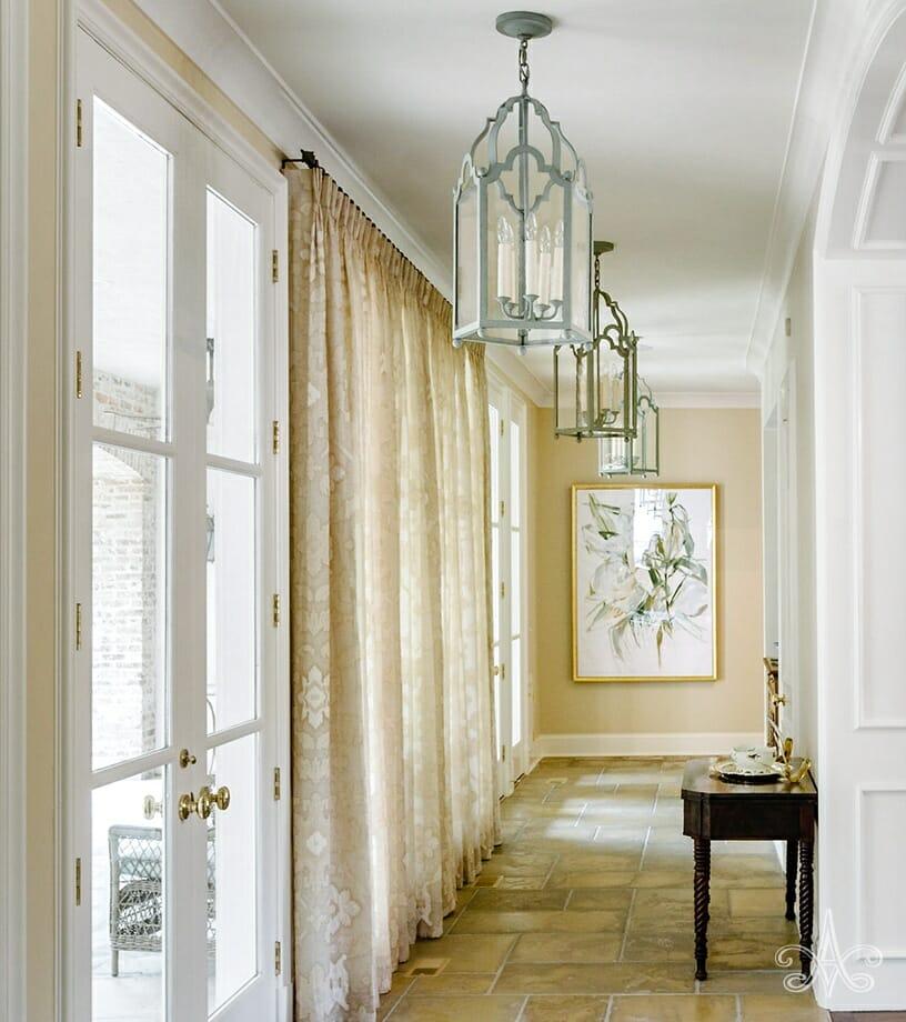 © Alcott Interiors - Carolyn Kendall -- Belle Meade Beauty